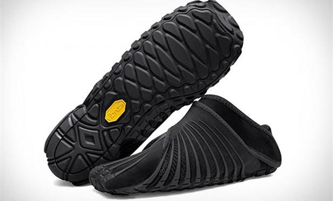 A világ legkényelmesebb cipőjét elég csak rácsavarni a lábadra