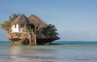 Ilyen egy étterem az óceán közepén!