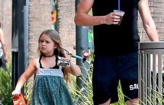 Brooklyn Beckham, mint bébiszitter