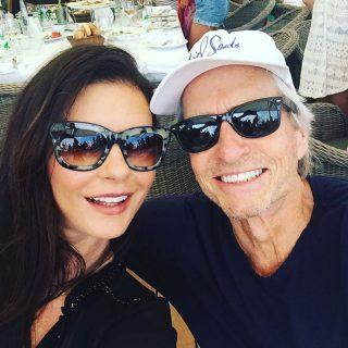Michael Douglas és Catherine Zeta-Jones együtt ünnepeltek