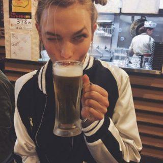 A sör és a szupermodell nagy találkozása