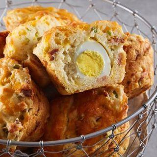 Baconös-tojásos muffinok reggelire