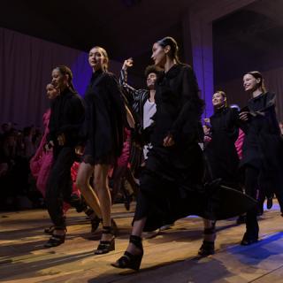 Íme a H&M új tavaszi-nyári kollekciója egyenesen a párizsi kifutóról