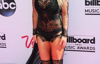 Az Ebay-en lehet megvásárolni Britney Spears ikonikus szettjeit