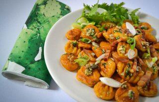 Mennyei édesburgonyás gnocchi friss mentapesztóval