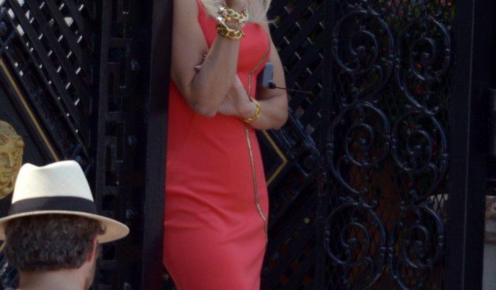 Így fest Penelope Cruz platinaszőke Donatella Versaceként
