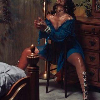 A szokásosnál is dögösebb Rihanna az új Manolo Blahnik kampányban