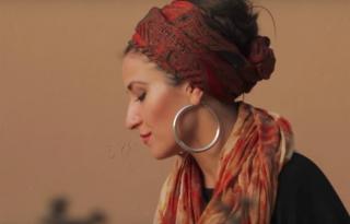 Új videóval, ősszel pedig új albummal jön Antonia Vai