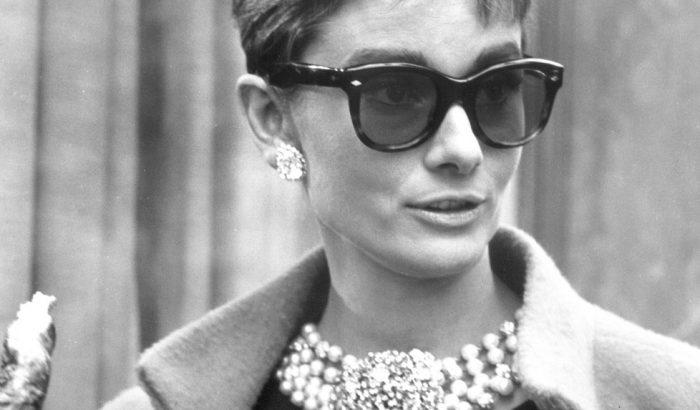 Elárverezik Audrey Hepburn ikonikus ruhadarabjait