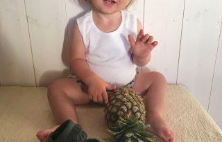 Itthon készülnek az első vegán, ananászlevél babacipők