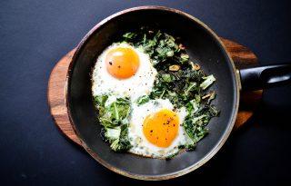 Könnyű reggeli vs. villámgyors vacsora – bok choy tojással