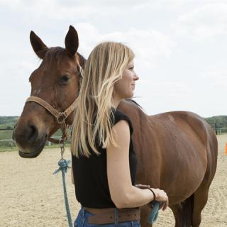 A munkám a szenvedélyem: sminkesből lett lovas tréner