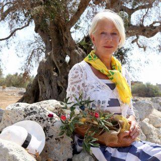 Helen Mirren mindent megtesz az olasz olajfákért