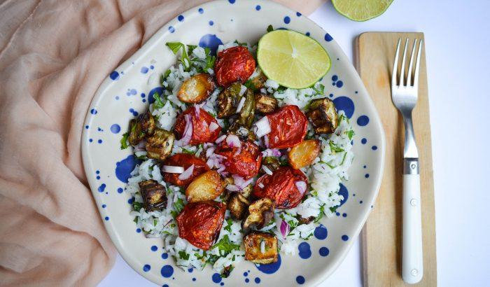 Meleg lime-os rizssaláta sült zöldségekkel