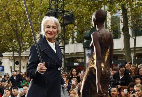 Helen Mirren stílusosan vonult végig a kifutón