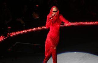 Megható dolgot kért a Las Vegas-i események után Katy Perry a közönségétől