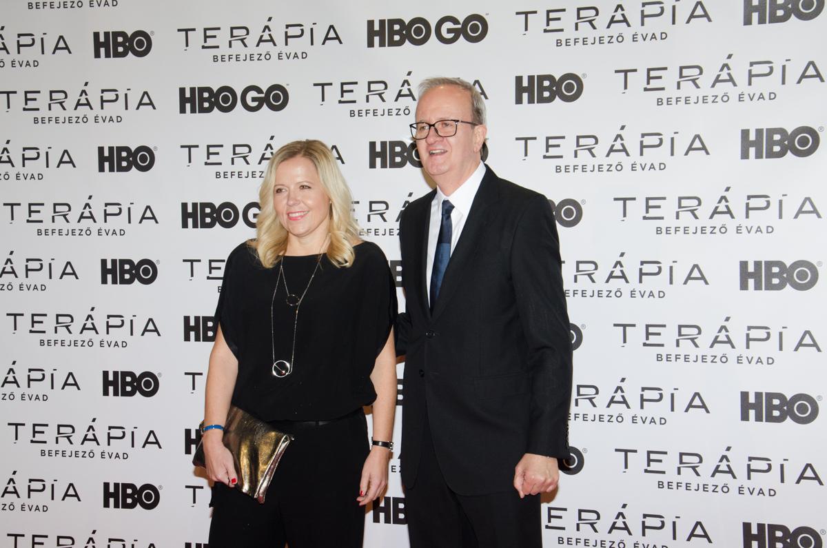10. kép: Szalontay Mari és Wayne Henry, a sorozat producerei