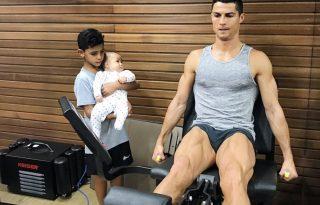 Cristiano Ronaldo milliókat érő lába