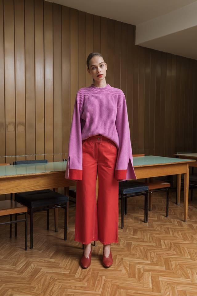12. kép: A magyar márka, a Daige is kedveli a piros és pink párosítást