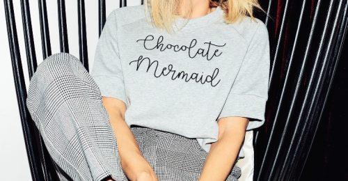 Ilyenek a legmenőbb hímzett feliratos pólók!