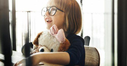A Youtube beszigorít a gyerekek védelmében
