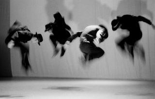 Fotókiállítással ünnepel a 30 éves Szegedi Kortárs Balett Budapesten