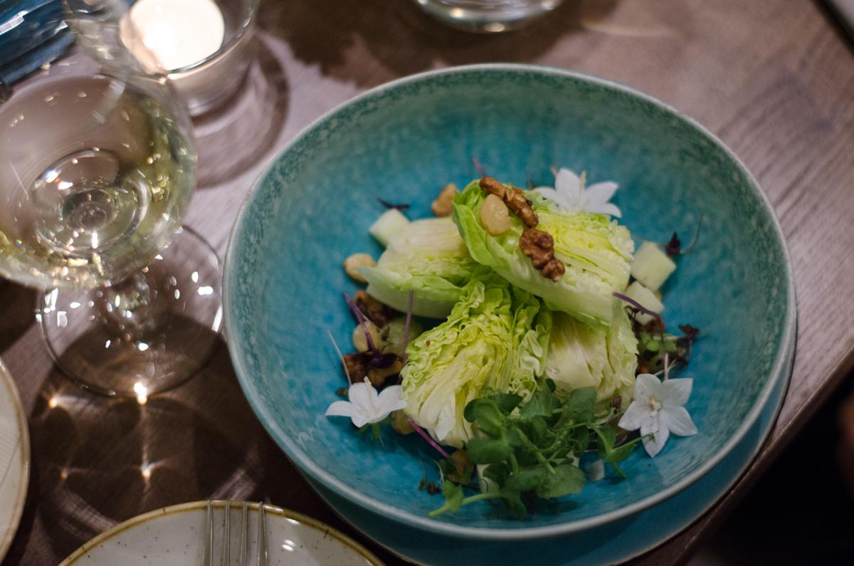 4. kép: Waldorf saláta (Alma, dió, mazsola, zeller)
