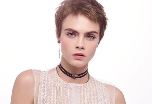 A 25 éves Cara Delevingne lett a Dior legújabb anti-aging termékének arca