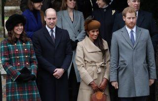 Együtt a brit királyi család