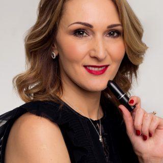 #StyleLife: Török Beáta, a MAC marketingese és PR menedzsere