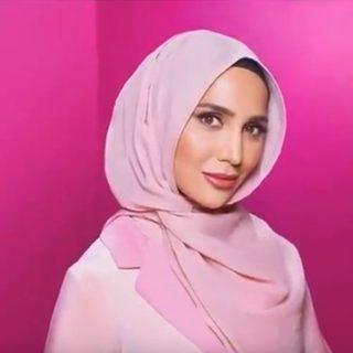 Történelmet írtak a hidzsábot viselő modellel a samponreklámban