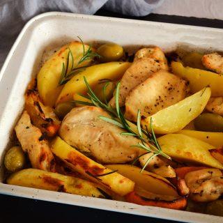 Mediterrán frissesség tél közepén: szaftos citromos-olívabogyós csirke
