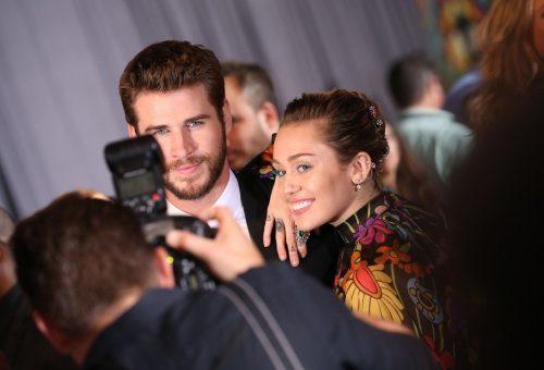 Így köszöntötte Liam Hemsworth-t menyasszonya, Miley Cyrus