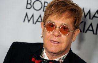 Elton John bejelentette a visszavonulását