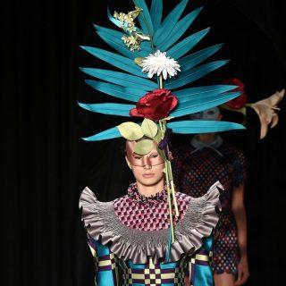 Pasztell virágkarnevál Viktor&Rolf Haute Couture show-ján