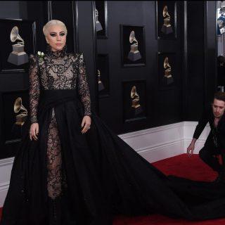 Monumentális, csillogó estélyik a Grammy-gáláról