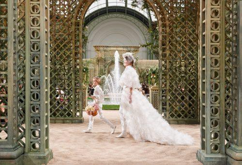 Álomszép, újragondolt menyasszonyok a Chanel párizsi Haute Couture show-ján