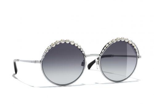 Multifunkcionális designnal hódítanak a Chanel nyári szemüvegkeretei
