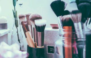 Nagy ecsetkörkép, hogy új szintre emelhessük az otthoni sminkelést