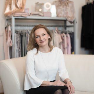 A munkám a szenvedélyem: Megla Rózsa, az elegáns nők öltöztetője