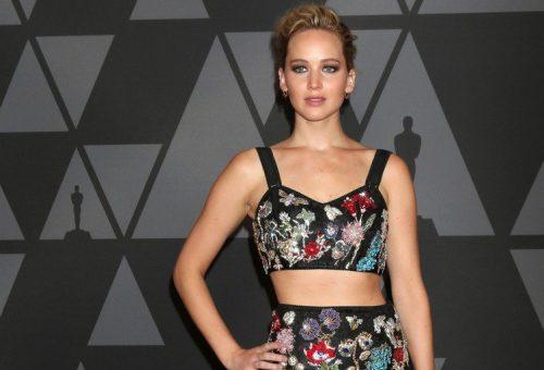 Jennifer Lawrence most már bátran vetkőzik