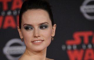 Szőkére váltott a Star Wars színésznője