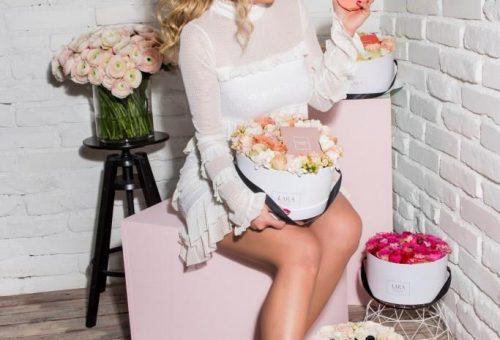 Luxusdobozba csomagolta a magyar virágmárka a Valentino parfümöt