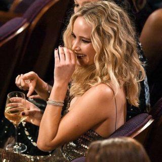 Jennifer Lawrence megint az Oscar legjobb pillanatai között