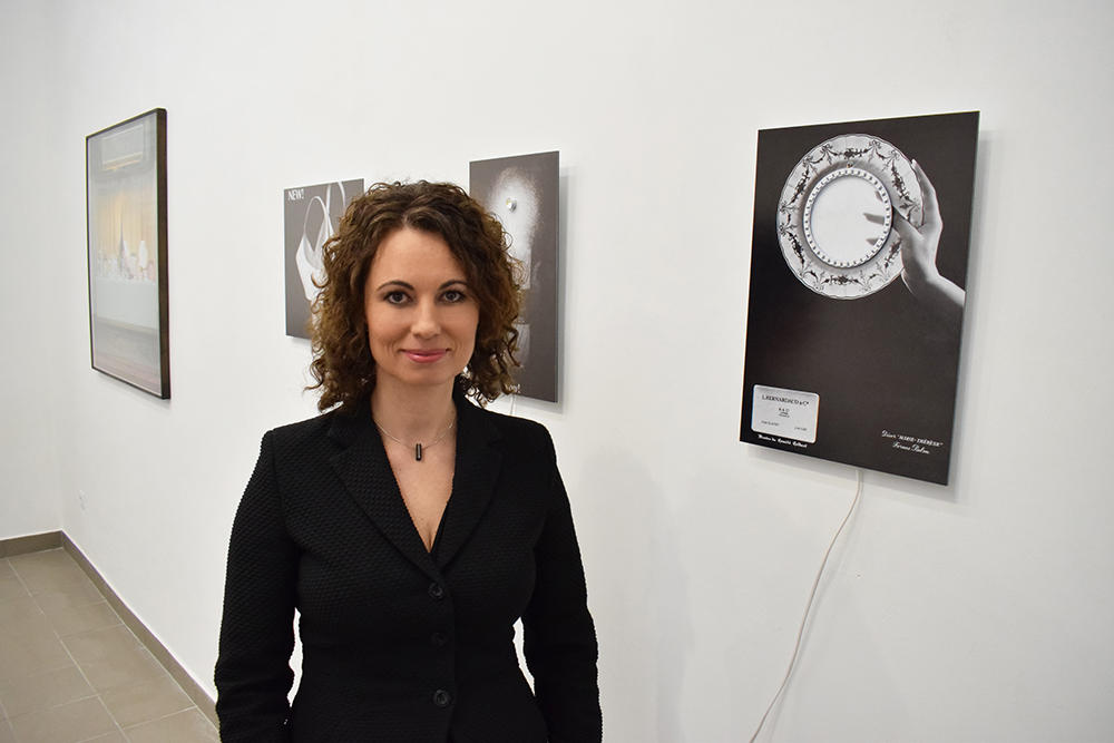 7. kép: Molnár Annamária a galária megálmodója (Fotó: Molnár Ani Galéria)
