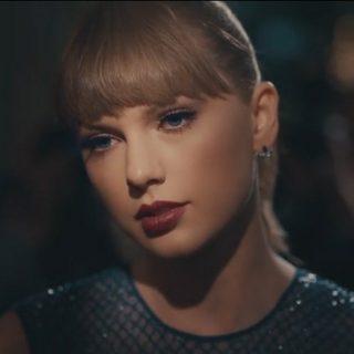 Új klipjében is elege van Taylor Swiftnek a rivaldafényből
