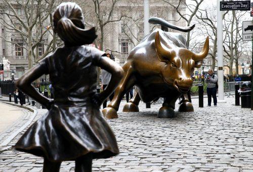 Áthelyezik a rettenthetetlen lány szobrát