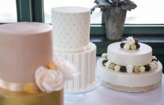 5 dolog, amire érdemes odafigyelned, amikor esküvői tortát rendelsz