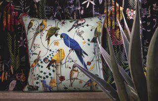 Trópusi növények és papagájok uralják az új Lacroix kollekciót