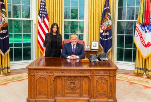 Kim Kardashian találkozott Trumppal, és szakpolitikai kérdésekről beszélgettek